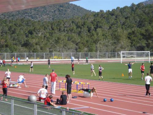 2010-04-08 Equipos extranjeros (8)